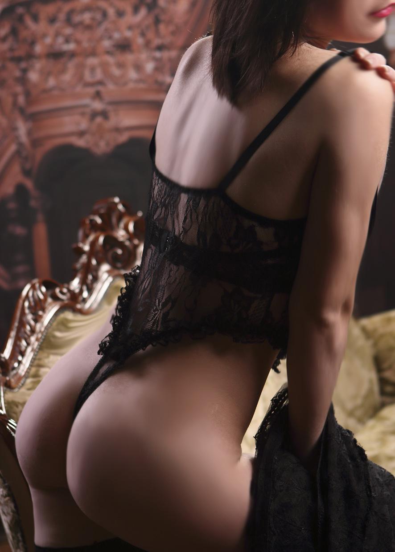 массаж эротический на столе